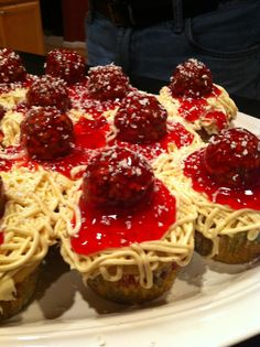Spagetti and meatball cupcakes