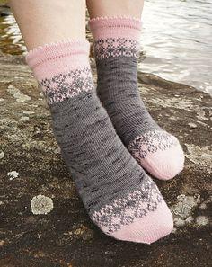 Ravelry: Unelma onnesta pattern by Tiina Kuu Knitted Socks Free Pattern, Fair Isle Knitting Patterns, Crochet Socks, Knitted Slippers, Knitted Gloves, Knitting Socks, Baby Knitting, Knit Crochet, Baby Boy Booties