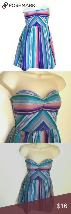 """🐛Roxy Striped Strapless Dress Gorgeous muted jewel tone dress. Strapless, elastic back, with flared skirt. Roxy, size S/P, 100% cotton 13"""" across top of bust, 14"""" across bust, back stretches to fit, 23"""" length from shoulder. ROXY Dresses Mini Minecraft Party, Flared Skirt, Jewel Tones, Fashion Tips, Fashion Design, Fashion Trends, Roxy, Stretches, Strapless Dress"""