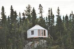 Glamping: Les yourtes éco-chic d'Alfred le voisin d'Oscar offrent une vue imprenable sur le Fjord-du-Saguenay. Une invitation à la contemplation.: