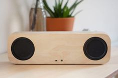 Picture of Bluetooth Portable Speaker (Improved Version! Wooden Speakers, Diy Speakers, Bluetooth Speakers, Bluetooth Gadgets, Waterproof Bluetooth Speaker, Boombox, Speaker Design, Audio Design, Speaker Stands