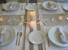 Classy and minimalist beach theme table setting. Beach Cottage Style, Coastal Style, Beach House Decor, Coastal Decor, Coastal Living, Coastal Fall, Deco Table, Decoration Table, Beach Cottages