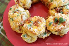 Cheesy Bacon & Herb Biscuit Ring - the perfect party or game day appetizer!! By ALittleClaireification.com #recipes #appetizers #Holidays #...