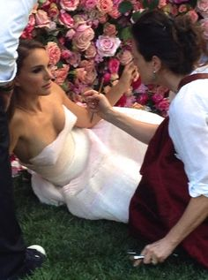The resource for all Natalie Portman photos. Every photoshoot, public appearance and film is right here. Natalie Portman Feet, Black Dress Red Carpet, Poppy Montgomery, Nathalie Portman, Red Carpet Party, Sarah Shahi, Jennette Mccurdy, Elizabeth Gillies, Miss Dior