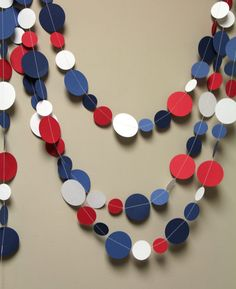Red, white and blue circle garland . love it for my of July coat . Fourth Of July Decor, 4th Of July Celebration, 4th Of July Decorations, 4th Of July Party, July 4th, Holi Party, July Crafts, Diy And Crafts, Holiday Crafts