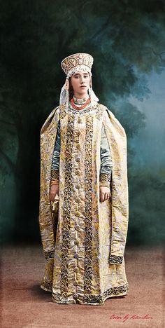 https://flic.kr/p/mTo8yw | 1903 Ball in the Winter Palace | 1903 Ball in the Winter Palace: Mademoiselle Nathalie Zveguintzew (Jeune fille boyard du XVII siecle en costume d'interieur)