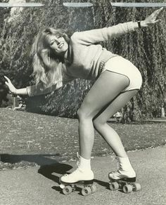 vintage everyday: Rollermania! 45 Interesting Photos of Roller Disco in the 1970s and 1980s