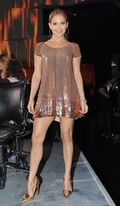 Jennifer Lopez showed off her sexy legs in a sequined Randi Rahm mini and coordinating golden Louboutins. J Lo Fashion, Look Fashion, Womens Fashion, Fashion Photo, Couture Fashion, Fashion Glamour, Sexy Dresses, Short Dresses, Summer Dresses