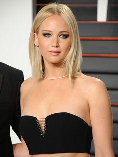 Jennifer Lawrence Rocks A Crop Top To Vanity Fair Oscars Party