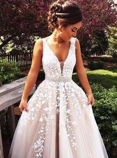 A Line Wedding Dresses, Princess Prom Dresses, Lace Prom Gown - mode - Vestidos Lace Prom Gown, V Neck Wedding Dress, Ball Gowns Prom, Long Wedding Dresses, Prom Party Dresses, Bridal Dresses, Evening Dresses, Dress Lace, Tulle Wedding