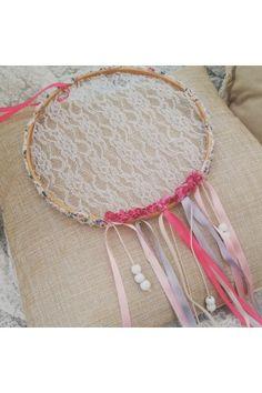 Attrape-Rêves DreamCatcher Dentelle & Fleurs - Lucy Jeanne Collection - Décoration Boho Mariage Anniversaire Chambre enfants