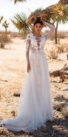 These Milla Nova Wedding Dresses Will Make You Swoon! Milla Nova's California Dreaming bridal collection is chockful of fairytale worthy gowns and glamorous bridal. Elegant Maxi Dress, Stunning Wedding Dresses, Luxury Wedding Dress, Couture Wedding Gowns, Bridal Wedding Dresses, Wedding Dress Sleeves, Dresses Uk, Bridal Looks, Bridal Collection