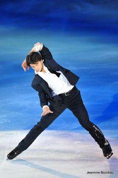 Stephane Lambiel ― Phot by Jeannine Bourdiau Sendai, Miyagi, Male Figure Skaters, Figure Skating Olympics, Stephane Lambiel, Skate 3, Japanese Figure Skater, Johnny Weir, Ice Skaters