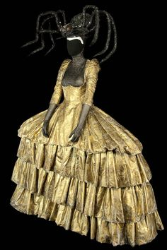 Theatre Costumes, Ballet Costumes, Movie Costumes, Dark Fashion, Fashion Art, Vintage Fashion, Fashion Design, Opera Dress, Structured Fashion