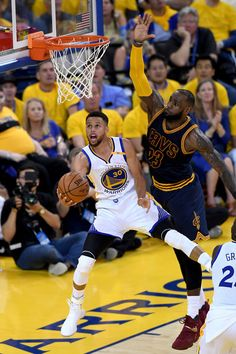 Stephen Curry - Golden State Warriors and Lebron James Basketball News, Basketball Pictures, Basketball Players, Basketball Motivation, Basketball Funny, Basketball Quotes, Stephen Curry Basketball, Nba Stephen Curry, Stephen Curry Shooting