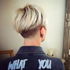 40 Best Short Pixie Cut Hairstyles 2019 – Cute Pixie Haircuts for Women - Short Pixie Haircuts Short Hair Back, Pixie Haircut For Thick Hair, Short Hair Undercut, Short Pixie Haircuts, Short Hair Cuts For Women, Hairstyles Haircuts, Straight Hairstyles, Short Hair Styles, Short Wedge Haircut