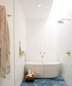 Emily Henderson Design Trends 2018 Bathroom Freestanding Bath 011