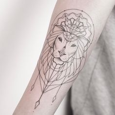 "4,773 curtidas, 39 comentários - Melina Wendlandt (@xoxotattoo) no Instagram: ""Another of my lions. ✣ CHECK OUT MY STUDIO @vadersdye ✣"""