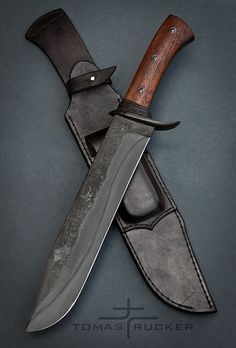 types of knives - handmade dark knife Cool Knives, Knives And Tools, Knives And Swords, Bushcraft Knives, Tactical Knives, Diy Knife, La Forge, Forged Knife, Combat Knives