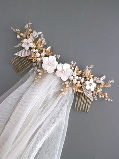 Hey you! A classic bride. You are looking for something classy, flowery with pearls and beads to be worn on top of your low bun or half updo, and you will style it with a very beautiful veil and your dream wedding dress. I handmade this white and gold flower hair comb for you. Its from the idea of Wedding Tiara Veil, Hair Comb Wedding, Wedding Hair Pieces, Wedding Updo, Wedding Dress, Bridal Hair Accesories, Hair Accessories, Bridal Flowers, Flowers In Hair