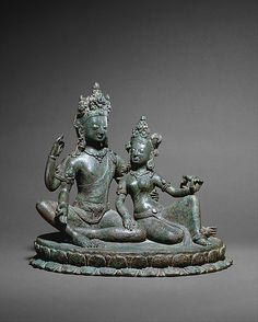Shiva Seated with Uma (Umamaheshvara). Nepal (Kathmandu Valley), 11th century. Copper alloy, h. cm. 28.3. New York, The Metropolitan Museum.
