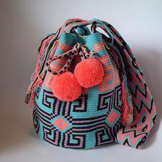 9 отметок «Нравится», 3 комментариев — Wayuu by ma (@wayuu_zi) в Instagram: « Wayuu style . #일상 #wayuu #wayuubags #wayuustyle #wayuubag #신상 #와유백 #칠라백 #모칠라 #맞팔 #소통 #선팔»