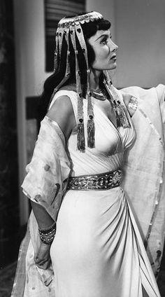 Rhonda Fleming #egyptomania                                                                                                                                                                                 Mais
