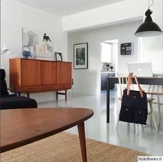olohuone,marimekko,kukkapuro,teak,senkki,hay,maalattu lattia,oiva toikka,teollisuusvalaisin,60-luku