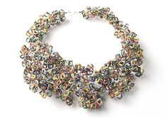 50 Awesome Upcycled Accessories - From Stunning Soda Can Jewelry to Garbage Necklaces (CLUSTER) Jewelry Crafts, Jewelry Art, Jewelry Design, Unique Jewelry, Jewelry Ideas, Funky Jewelry, Paper Jewelry, Textile Jewelry, Designer Jewelry