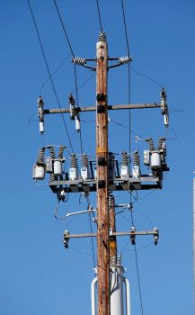 California: Gov. Jerry Brown vetoes bill easing permits on cell phone towers