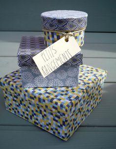 Relooker des boites avec des tissus http://www.modesettravaux.fr/relooker-boites-tissus/