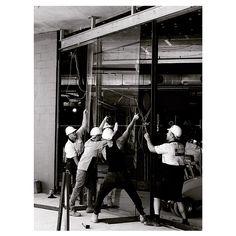 Glass going in on the new Harbord Diggers Entry! . . . #harborddiggers #chrofi #sydneyarchitecture #construction #glass #doors #australianarchitecture #ganellen #architectus #jmddesign #actionshot #blackandwhite