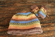 Textured Stripy Handknitted Hat with Mittens