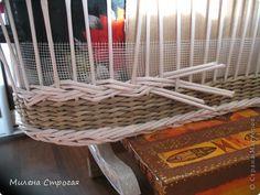 Мастер-класс 8 марта День защиты детей Декупаж Плетение Люлька для кукол Бумага газетная Бумажные полосы Краска фото 5