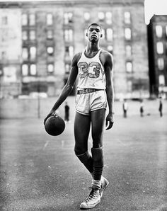 A Happy birthday to the Cap, NBA legend Kareem Abdul-Jabbar. Photographed by Richard Avedon. Richard Avedon, Street Basketball, Love And Basketball, College Basketball, Basketball Jones, Basketball Diaries, Robert Mapplethorpe, Larry Bird, Steven Meisel