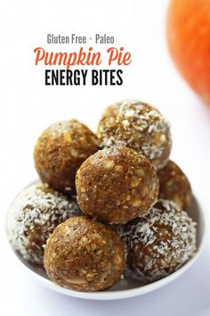 Pumpkin Pie Energy Bites - These are SO good! This recipe makes perfect little snacks for pre or post workouts or when the sweet craving hits. They are no-bake, gluten free, vegan & paleo friendly and taste deliciously like fall.