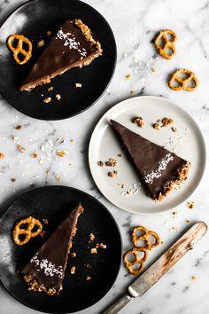7 Desserts That Require Less Than 5 Ingredients — Bloglovin'—the Edit http://blog.bloglovin.com/blog/7-desserts-that-require-less-than-5-ingredients via @bloglovin