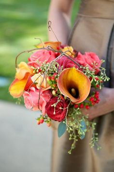 Fall bridesmaids bouquet