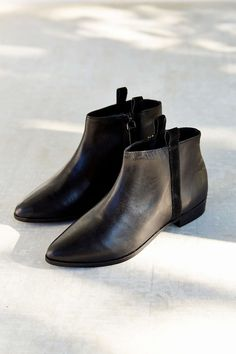 Silence + Noise Pull-On Leather Ankle Boot/ Yes I feel like this is what everyone will want to be putting on their feet in the next few months!!