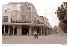 Bách hoá tổng hợp (khi chưa bị phá) Vietnam History, Opera, Louvre, Street View, Building, Photography, Coffee Shop, Blog, Google