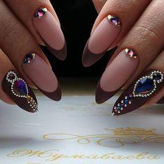 "281 curtidas, 2 comentários - Александра (@aleksa452) no Instagram: ""#nailsdone #nailsdesign #nailsart #artnails #manikure #manikür #maniküre #вензелянаногтях…"""