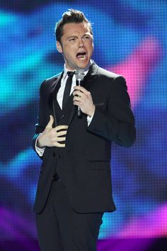 Tiziano Ferro Performing at the World Music Awards 2010