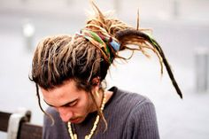 i want my dreads to look like this! Dreadlock Hairstyles For Men, Dreadlock Styles, Dreads Styles, Cool Hairstyles, Dreadlock Jewelry, Beard Dreads, New Dreads, Natural Hair Styles, Long Hair Styles