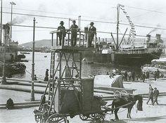 Πειραιάς 1910 Rare Photos, Old Photos, Vintage Photos, Greece History, Greece Pictures, Old Trains, Manga, Back In The Day, Athens
