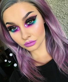 Very #dramatic #eyemakeup but it matches her hair @stylexpert