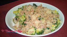Atum gratinado com brócolos e cogumelos, um bom acompanhamento para refeições mais leves e saudáveis. Preparei este prato de uma forma muito simples e sem a adição de molhos. Ficaram com curiosidade??