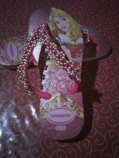 Sandálias havaianas princesa bordada com perolas