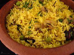 Sampinonove pulao Garam Masala, Rice Dishes, Clay Pots, Grains, Stuffed Mushrooms, Gluten Free, Cooking, Indie, Recipes