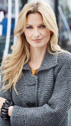 Strikkeopskrift på elegant frakke | Strikket frakke i ren uld | Retstrik for råt udtryk | Gratis strikkeopskrifter på lækkert vinterstrik | Håndarbejde