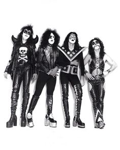 Gene Simmons, Paul Stanley, Ace Frehley, Peter Criss